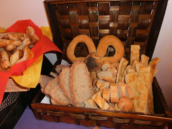 Work's Party - cestino del pane